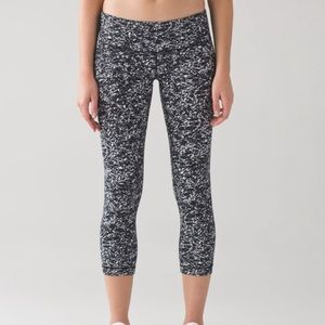 "Lululemon Wunder Under Crop III (21"")"